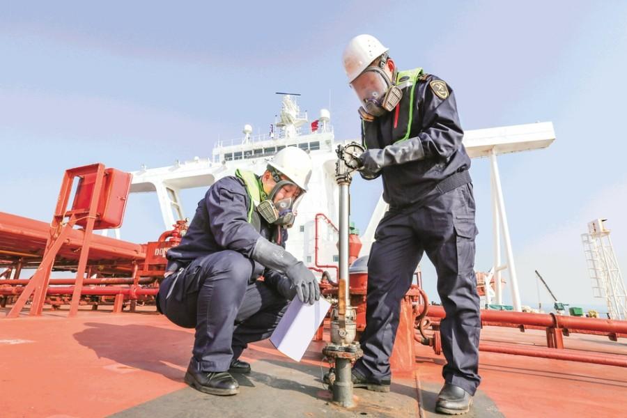强服务 助发展 ——2019 年日照海关检验监管进口原油5005万吨